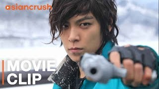 Lee Byung-hun vs. T.O.P in stand off for ransom of little girl | Clip from 'Iris: The Movie'