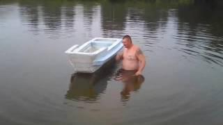 лодка из пенопласта.первое испытание.