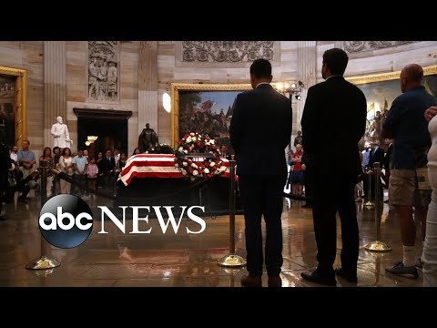 Lawmakers gather in Capitol rotunda to remember McCain