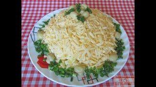 """Салат """"Марго"""" с куриным филе и маринованными грибами"""