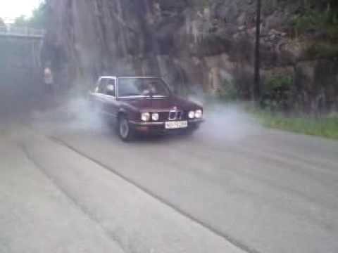 BMW e28 524td with moore boost Norway - YouTube