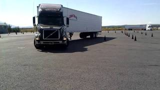 Parallel Parking 18 Wheeler