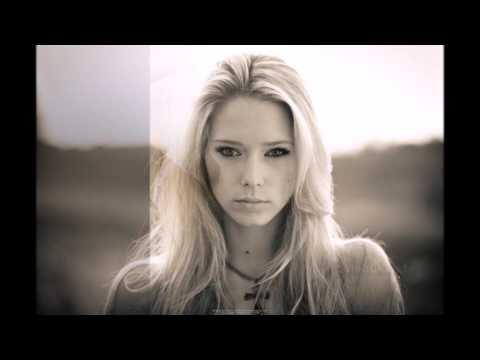 Фото красивых девушек блондинок под веселый тречок!