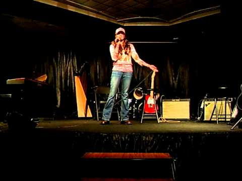 Samantha Baggett LIVE On Stage Singing  Suds In The Bucket Sara Evans Cover