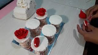 Gambar cover Menghias cup cake dengan fondant