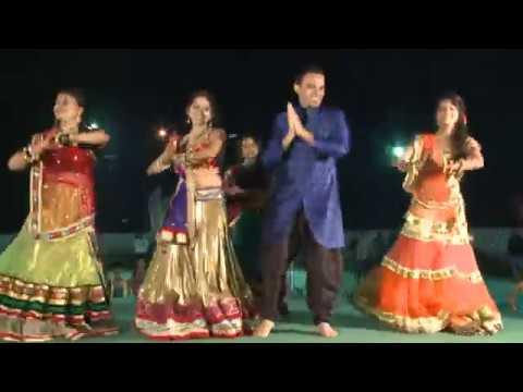 Sajanji Ghar Aaye - Dance Mp3