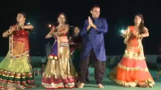 Sajanji Ghar Aaye - Dance