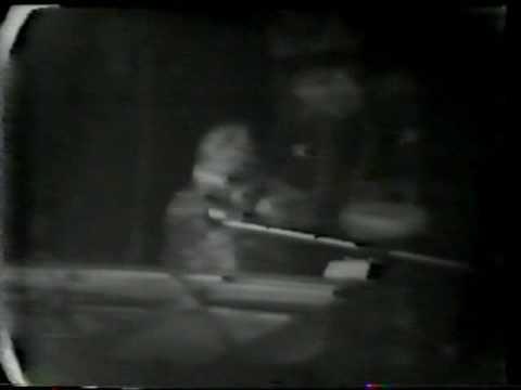 Sandy Denny (Fairport) : Like An Old Fashioned Waltz (live 1974)