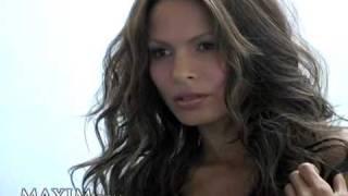 Nadine Velazquez nackt frei