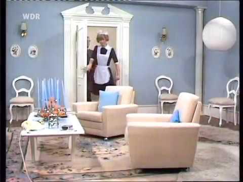 loriot das bild h ngt schief zimmerverw stung aus versehen youtube. Black Bedroom Furniture Sets. Home Design Ideas