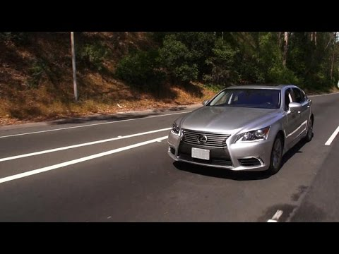 Car Tech - 2015 Lexus LS 460 L