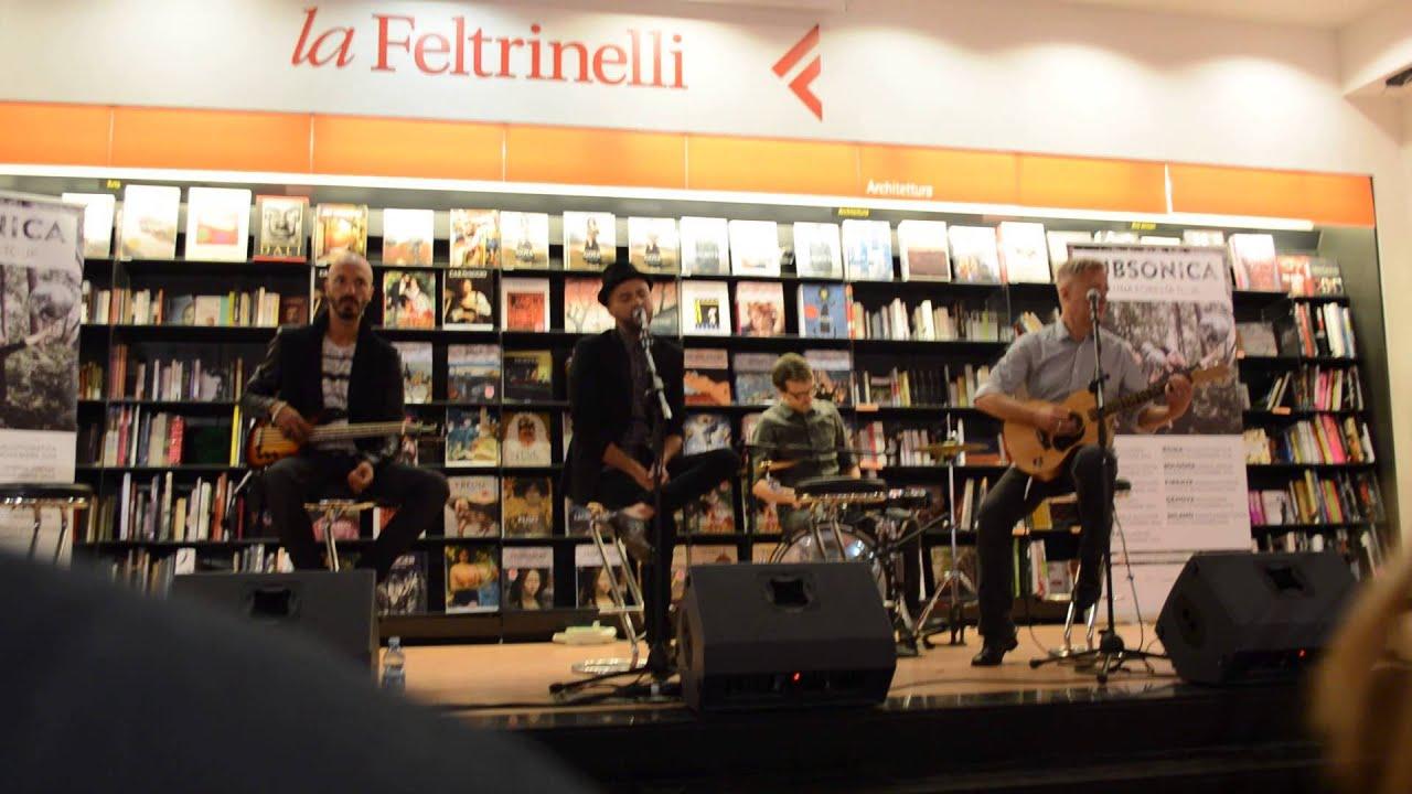subsonica-tutti-i-miei-sbagli-live-feltrinelli-roma-25-09-14-pensieri-accordati