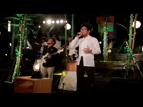 Kunto Aji Feat. Barry Likumahuwa - Pengingat (Live at Music Everywhere) **