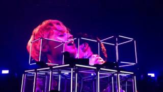 Flume - Pika w/ You & Me (Flume Remix) w/ Tiny Cities (Outro Edit), live in Berlin on 09.11.16