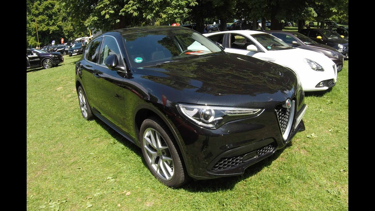 alfa romeo stelvio super q4 luxus suv red and black walkaround interior new model 2017. Black Bedroom Furniture Sets. Home Design Ideas
