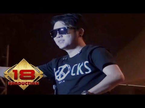 Five Minutes - Teman Biasa (Live Konser Salatiga Sumut 14 September 2013)