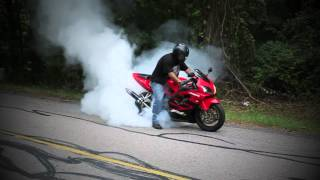 CBR600 F4i HUGE burnout blown tire 1080p Flawzell Williams cameo