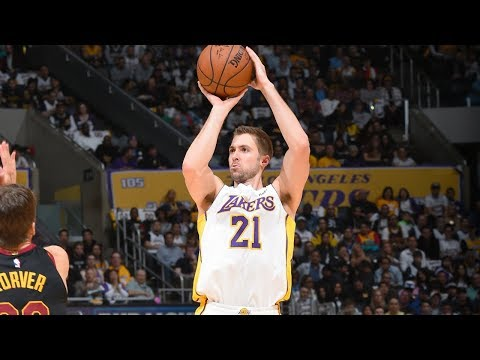 Travis Wear provides spark off the bench for Lonzo Ball, Lakers