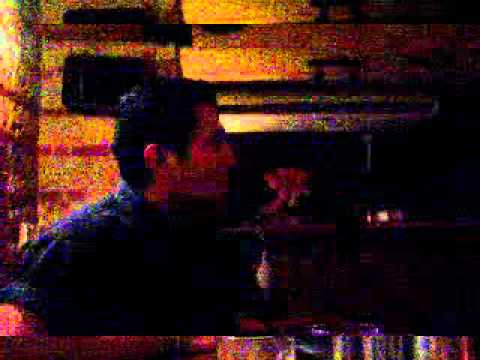 Acompañame a estar solo en un Karaoke de Almería - España.MPG