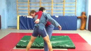 Борьба самбо, техника бросков(Это видео загружено с телефона Android., 2011-12-21T09:14:32.000Z)