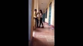 Clip hôn hít trong trường học
