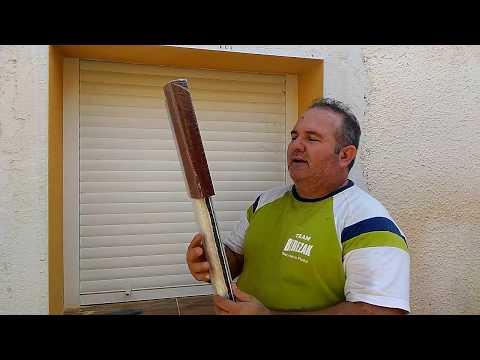 Hoy colocamos mosquitera enrollable en las ventanas,muy economico