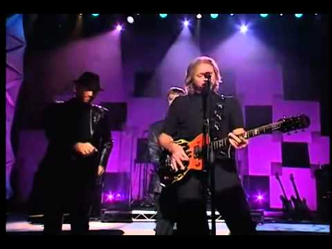 Bee Gees - Too Much Heaven [Live by Request]