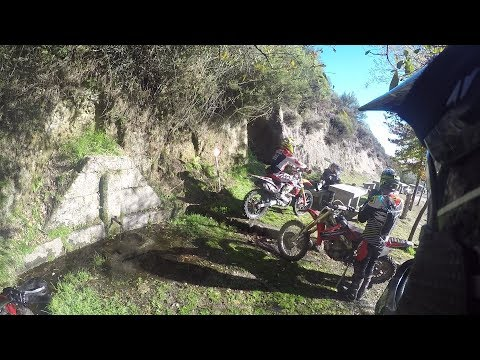 Group Dirt Bike from the water source - descent on gravel - GasGas crf husqvarna