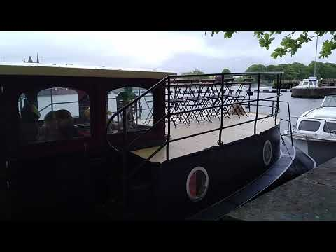 """zoomnrooms.com"" - Athlone, Ireland party barge"