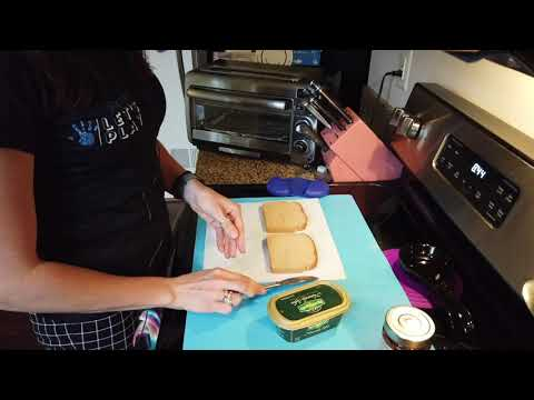 Fun Foodie Friday: Let's Make Some Toast!