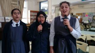 wkc的初中組冠軍1AZahra, Laraib, Amna相片