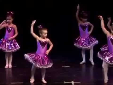 f79253dfb5f Μπαλέτο για μικρά παιδιά - Σχολές Μπαλέτου Σ.Περδίκη - Ν.Δροσοπούλου  (Παράσταση 2010)