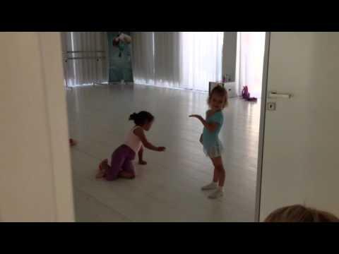 Первый день Ксюши в танцевальной школе Лимассола