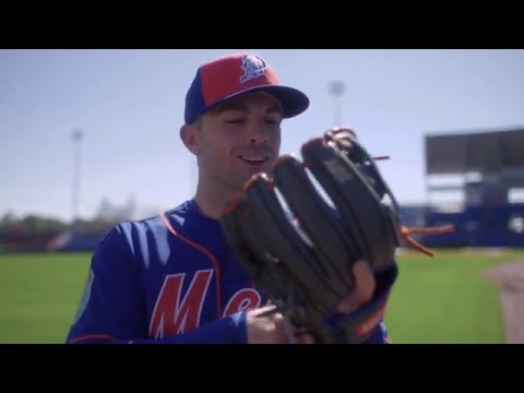 2016 Wilson Glove Day - New York Mets