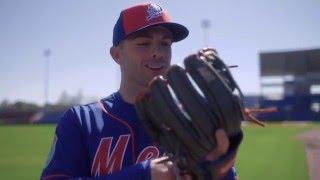 2016 Wilson Glove Day - New York Mets thumbnail