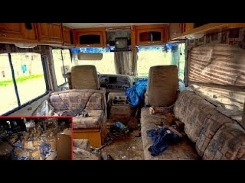 Strange Owner Abandoned Stuff - RV, Boat (Abandoned 90s Music Store with stuff in it) R&b