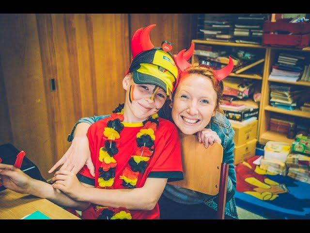 Linde geeft Seppe het grootste én roodste verjaardagsfeest ooit cadeau