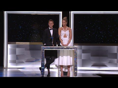 2016 CFDA FASHION AWARDS: Karlie Kloss and Ansel Elgort Present the Swarovski Awards