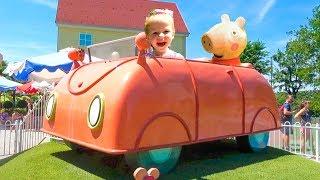 पेप्पा सुअर के किड्स पार्क में स्टेसी का मज़ा है। Kids park of Peppa Pig with Stacy Stories