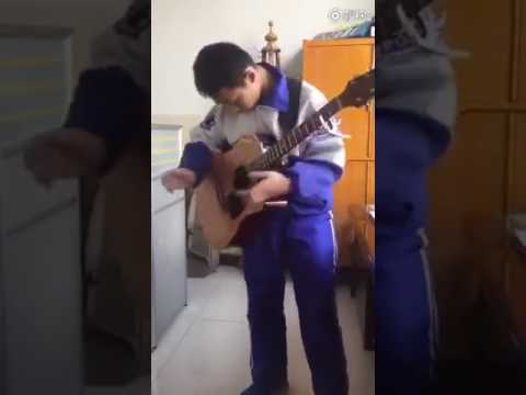 Behold! 13-year-old Chinese boy with mind blowing guitar skills attracts huge attention online
