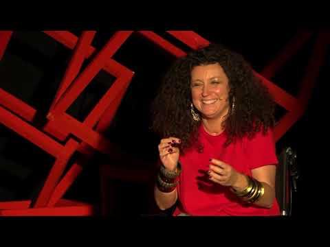 Γεμίζοντας το κενό με χιούμορ | Katerina Vrana | TEDxAUEB