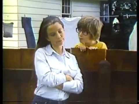 Elizabeth Berridge 1977 Trident Gum Commercial