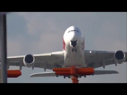 Late Morning to Afternoon Planespotting RWY09R Arrivals and Departures at Heathrow 15/10/15 - Part 1