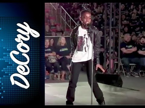 Kid's AMAZING performance of Michael Jackson's Man in the Mirror and brings the house to its feet