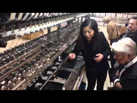 How does a silk loom work in Shanghai