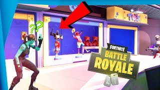 WE MAKE US PASS PAR MANIQUI et TROLLEAMOS PEOPLE!! 😅😂 - Fortnite Battle Royale