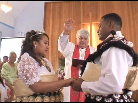 Tongan Wedding Kiss - YouTube