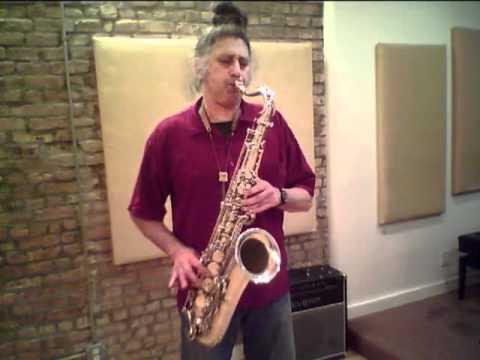 Sohrab Saadat Ladjevardi plays My Respect with his sax