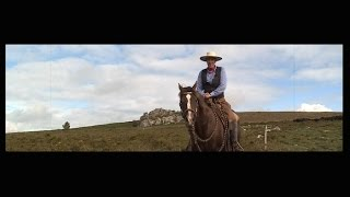 Video Le cow-boy qui vivait son rêve américain en Bretagne download MP3, 3GP, MP4, WEBM, AVI, FLV November 2017