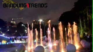 Video air mancur menari Teras Cikapundung download MP3, 3GP, MP4, WEBM, AVI, FLV November 2018